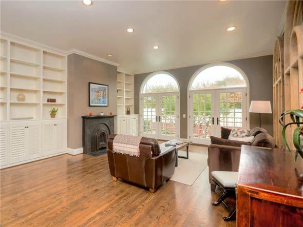 Sierra Del Lago Living Room