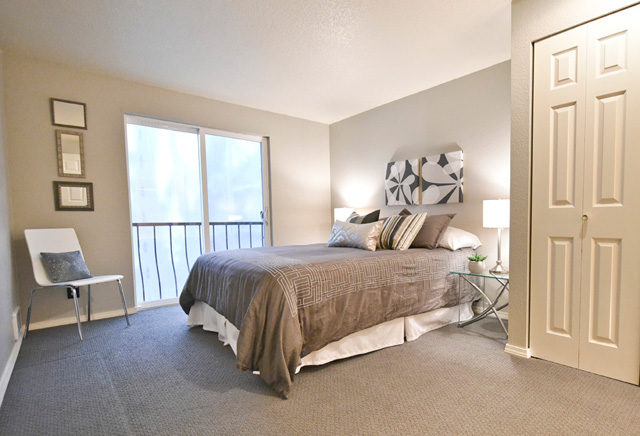 5901 Phinney bedroom