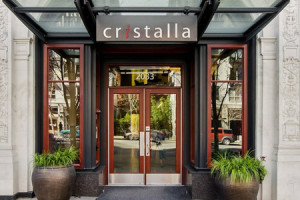 Spotlight: Cristalla Large 1 Bedroom + Den