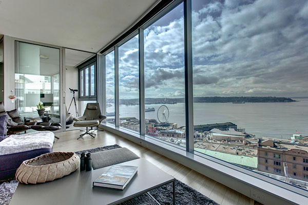 1521 Living Room with View