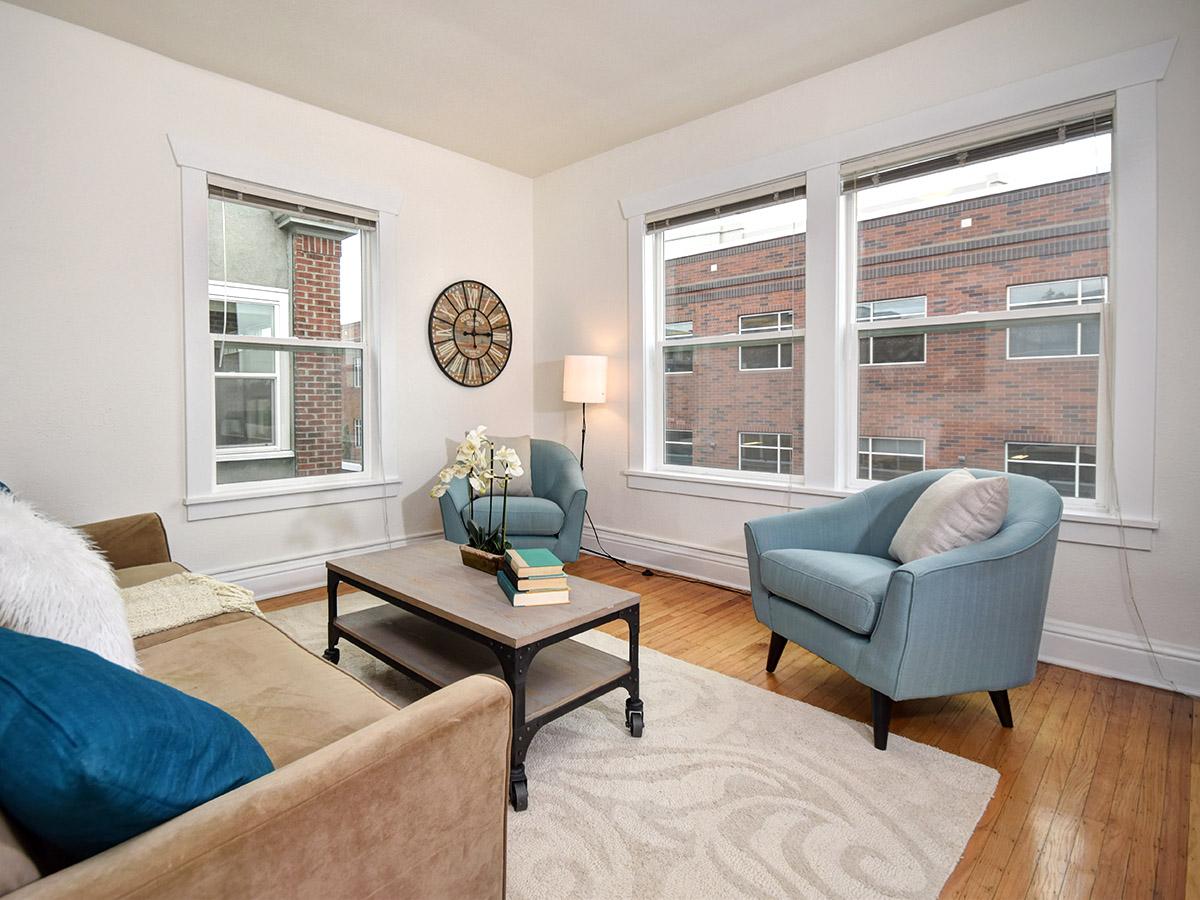 Novell Living Room