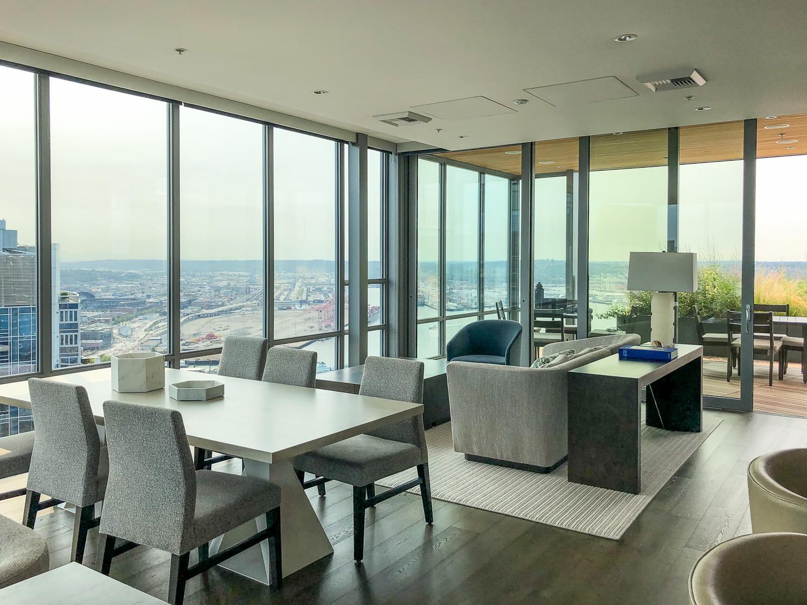 Emerald Condo Seattle 39th Floor Lounge