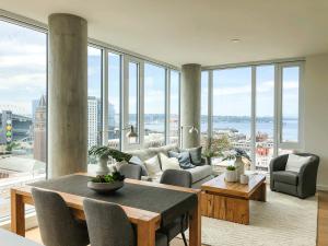 Koda Condo Seattle Living Room
