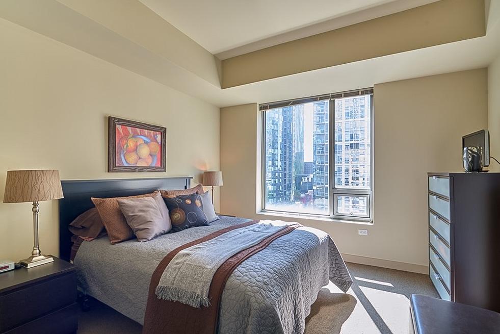 910 Lenora bedroom