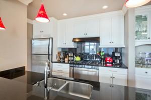 Avenue One kitchen